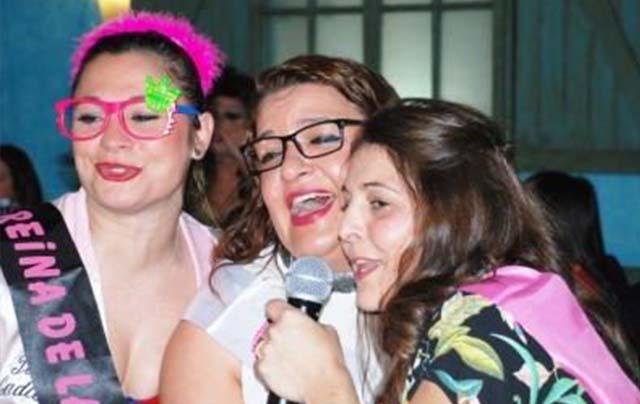 Karaoke privado, despedida de soltera con karaoke, fiestas de cumpleaños, despedidas de soltera en Barcelona